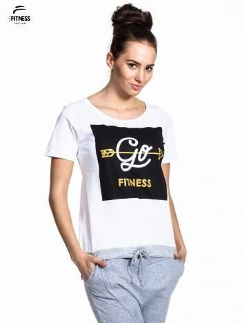 Biały t-shirt z napisem GO FITNESS