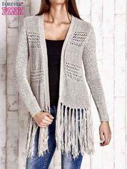 Beżowy sweter w stylu boho
