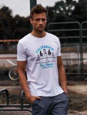 Biały t-shirt męski z nadrukiem mostu i napisem CALIFORNIA 66