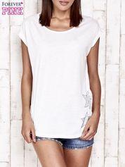 Biały t-shirt ze srebrną nitką i aplikacją z dżetów