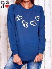 Ciemnoniebieska bluza z motywem serduszek