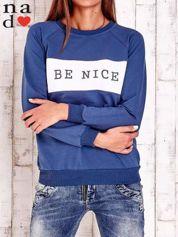 Ciemnoniebieska bluza z napisem BE NICE