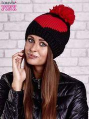 Butik Czarna czapka z czerwonym sercem i pomponem