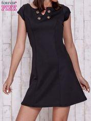 Czarna sukienka z dekoltem cut out