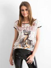 Czarny t-shirt z napisem MOSCINO