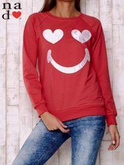 Czerwona bluza z motywem emoji