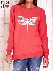 Czerwona bluza z nadrukiem ważki