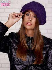 Fioletowa dziergana czapka z daszkiem