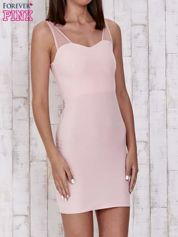 Różowa sukienka tuba z tiulowymi ramiączkami