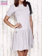 Szara sukienka dresowa z kokardą z tiulu