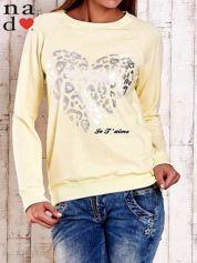 Żółta bluza z nadrukiem serca i napisem JE T'AIME