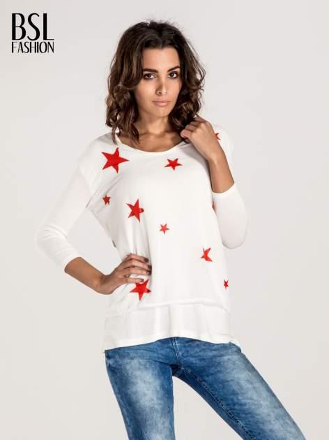 Biała bluzka z nadrukiem czerwonych gwiazdek