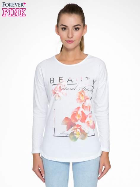 Biała bluzka z nadrukiem kwiatowym i napisem BEAUTY