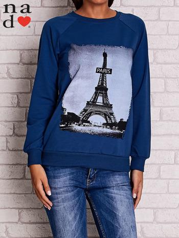 Ciemnoniebieska bluza z motywem Wieży Eiffla