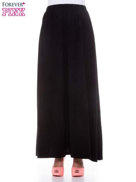Czarna zwiewna spódnica maxi