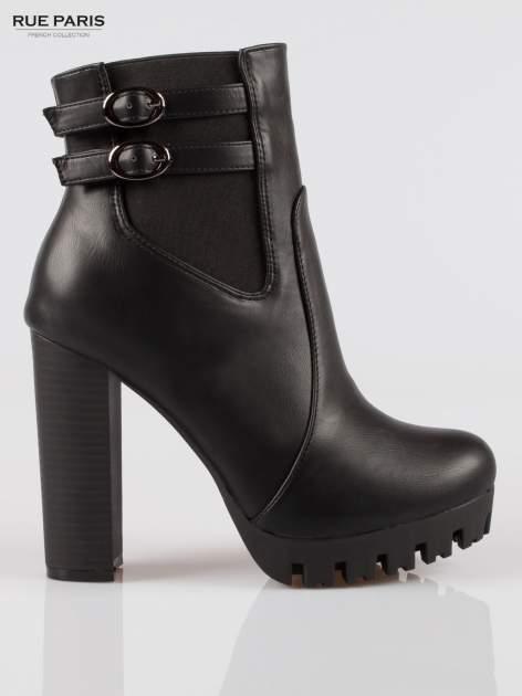 Czarne wysokie botki z klamerkami na platformie w stylu motocyklowym