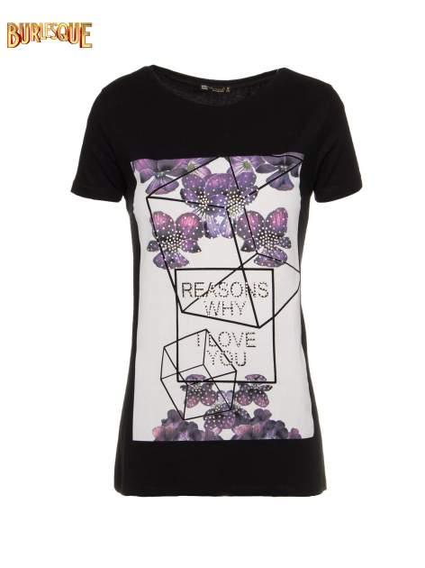 Czarny t-shirt z kwiatowym nadrukiem zdobionym dżetami