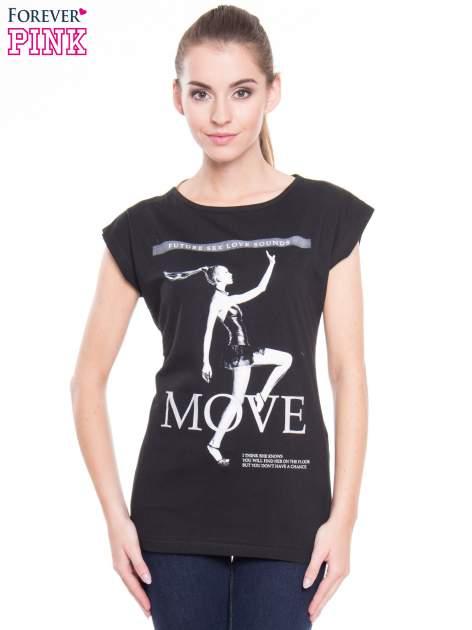 Czarny t-shirt z nadrukiem kobiety i napisem MOVE