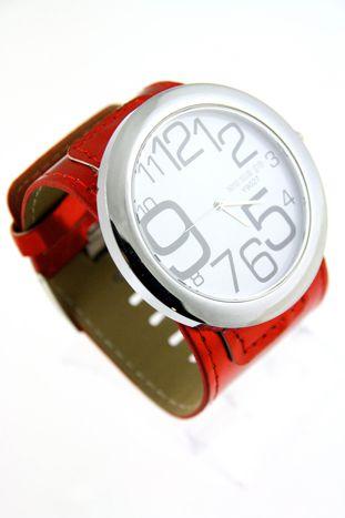Czerwony duży zegarek damski na skórzanym pasku