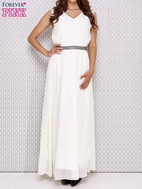 Ecru sukienka maxi z biżuteryjnym pasem