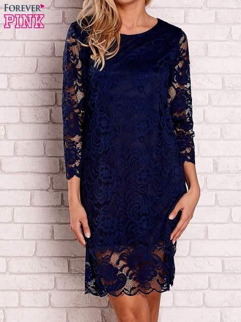 Granatowa koronkowa sukienka z wiązaniem na plecach