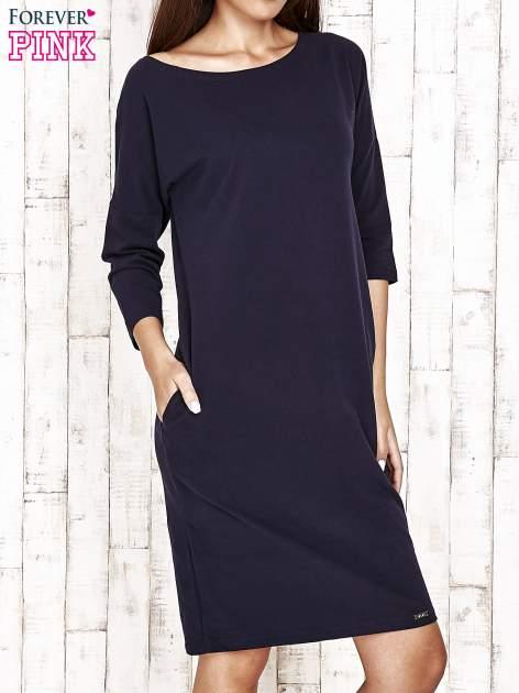 Granatowa prosta sukienka dresowa