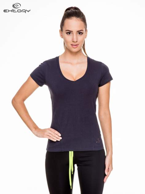 Granatowy damski t-shirt sportowy z modelującymi przeszyciami