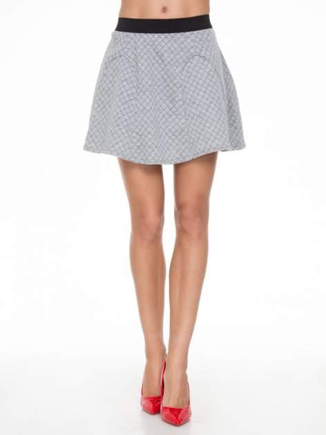 Szara rozkloszowana mini spódniczka w kratkę