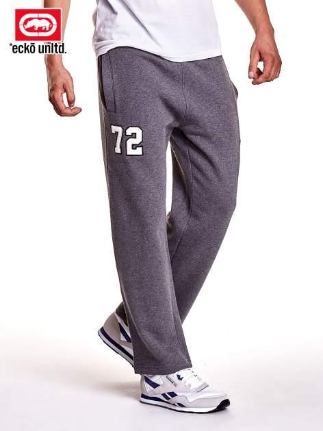 Szare spodnie dresowe męskie z naszywką 72