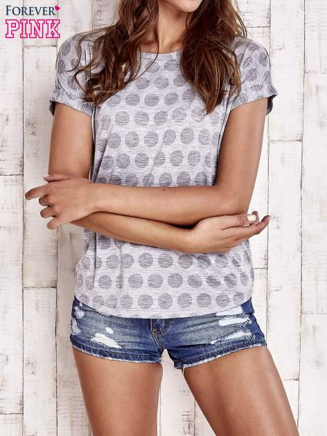 Szary t-shirt z motywem grochów