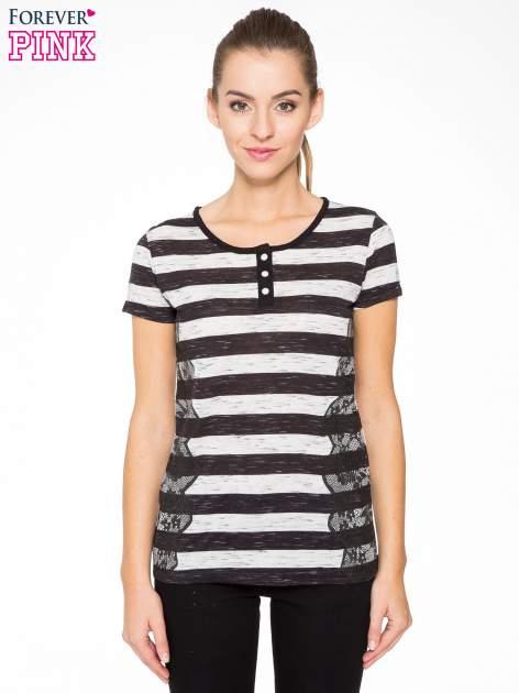 T-shirt w biało-czarne paski z koronkowymi wstawkami