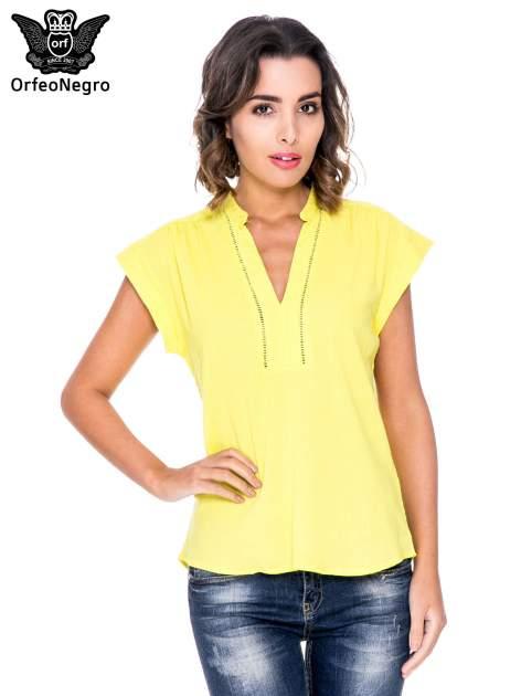 Żółta bluzka koszulowa z ażurowaniem wzdłuż dekoltu