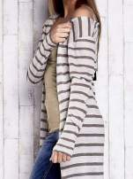 Beżowy długi sweter w paski