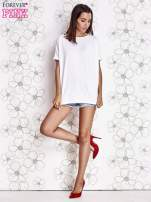 Biały t-shirt oversize