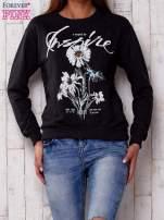 Ciemnoszara bluza z nadrukiem kwiatowym i napisem