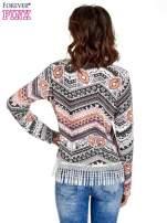 Czarna bluza w azteckie wzory z koronką z frędzlami