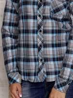 Czarna koszula w kolorową kratę