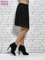 Czarna plisowana spódnica do kolan