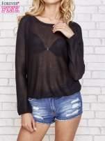Czarny błyszczący sweter z haftem sowy z tyłu