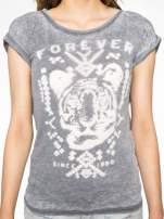 Czarny t-shirt z napisem FOREVER i nadrukiem tygrysa