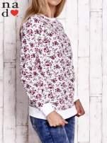 Ecru bluza z kwiatowymi motywami