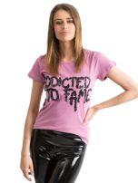 Fioletowy t-shirt z napisem ADDICTED TO FAME z cekinów Funk n Soul