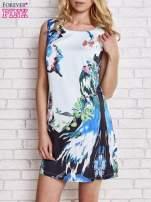 Jasnoniebieska sukienka z malowanym nadrukiem