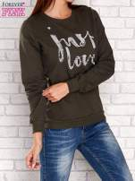 Khaki bluza z napisem JUST LOVE i perełkami