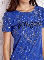 Kobaltowy t-shirt z napisem BONJOUR