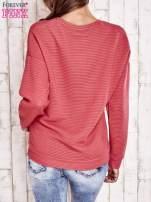 Koralowa fakturowana bluza