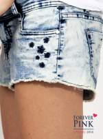 Marmurkowe szorty jeansowe z efektem acid wash
