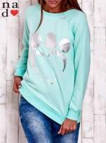 Miętowa bluza ze srebrnym nadrukiem