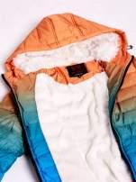 Pomarańczowo-niebieska kurtka ombre z futrzanym kołnierzem