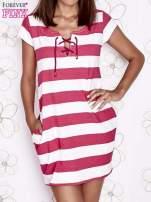 Różowa sukienka w paski ze sznurowanym dekoltem